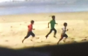 three_boys_beach_Gaza